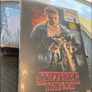 Stranger Things Season One4-DiscDVDBlu-Ray Box Set